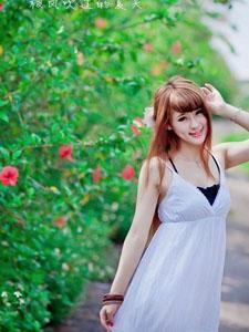 清纯美女乡间小路迷人写真