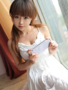 Sevenbaby白裙可爱自拍写真