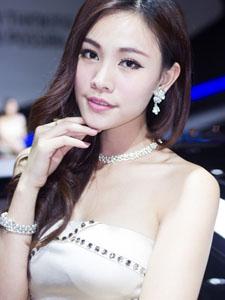 北京现代车模高清性感美女