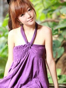紫色长裙大学生mm笑容灿烂美丽动人