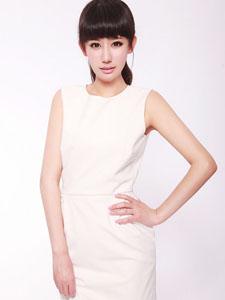 白衣白皙青纯美少女