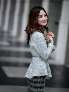 美女甜蜜清纯迷人街拍写真