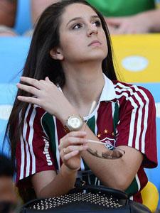 世界杯球场美女合集阿根廷伊朗球迷各领风骚