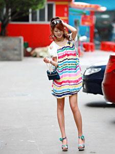 潮流美女新品时尚潮搭街拍照