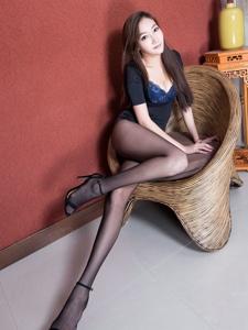 BeautyLeg腿模Tina黑丝美腿高跟