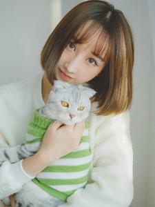 可爱纯情少女和宠物的日常