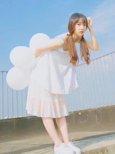 小清新美女夏日阳光下青春写真