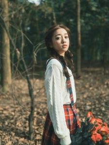 清纯双马尾妹子森林森系唯美写真