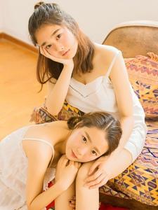 阳光姐妹花陪你度过最美好时光甜美可爱