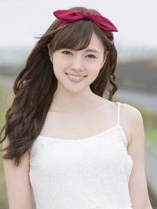 白石麻衣吊带超短裙清纯美女写真
