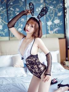 性感惹火兔女郎私拍玉腿翘臀性感呈现