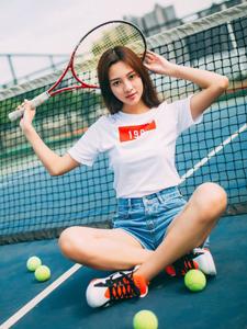 可爱气质网球少女球场魅力写真