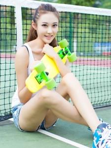 清纯网球美女校花球场气质写真
