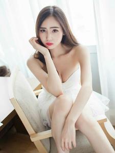性感抹胸蕾丝裙刘奕宁Lynn私房魅力写真