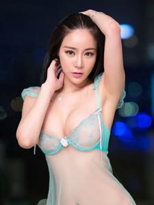美女乳神李查儿透明内衣诱惑人体写真