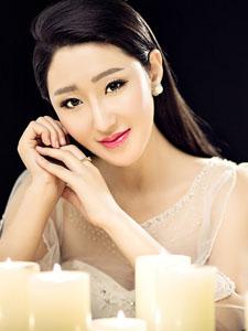 李依馨炫彩魅力动人写真曝光