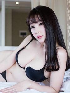 丰满美女乐朵朵床上爆乳魅惑撩人