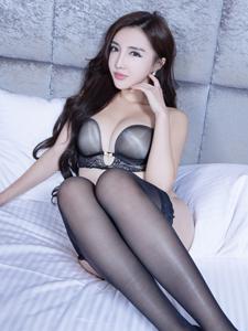 性感魅力短袜美女Syuan床上诱惑
