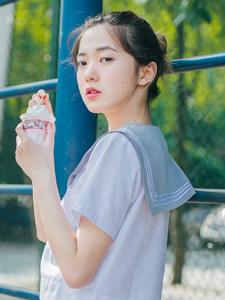 可爱丸子头冰淇淋少女清凉夏日清新写真