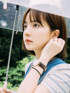 清纯短发少女雨季浪漫清新唯美写真