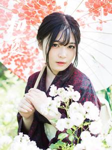 可爱和服日系少女花丛意境写真温柔可人