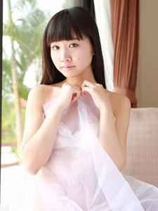 薄纱遮体性感日本女优高岡未來魅惑写真