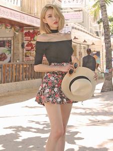 炎热夏日清凉美模性感街拍秀美姿