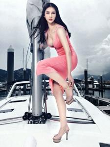 美女游艇比基尼性感美腿魅力写真