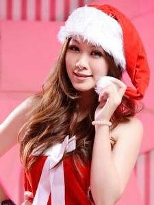 甜美白皙的妹子小孟圣诞装靓丽迷人写真治愈人心