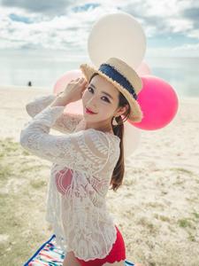 花瓣少女李妍静沙滩梦幻唯美写真