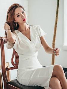 朴秀然白领气质长裙飘逸私房诱惑