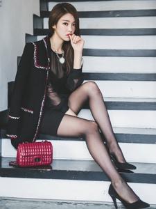 气质黑丝袜长腿韩系美女初冬写真