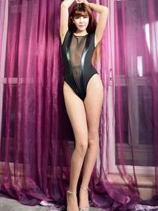 高挑美女性感高叉裤修长美腿诱惑写真