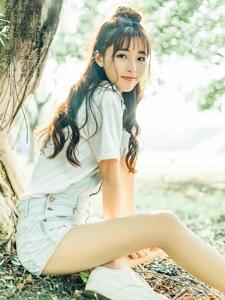 背带裤青春美少女丸子头活力顽皮