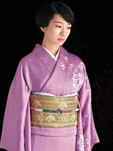 日本女星波瑠古典雅致和服杂志写真
