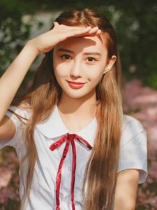甜美制服大学风情少女秋季温馨阳光写真