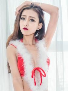 性感红唇爆乳美女圣诞情趣装给你带来视觉冲击力