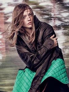 俄罗斯超模萨莎·彼福瓦洛娃杂志写真