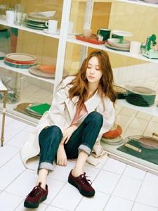 郑秀晶登上NYLON韩国版封面演绎文艺女青年的日常