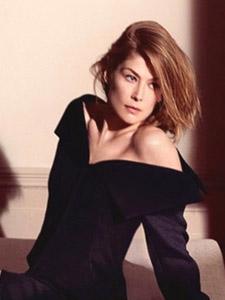 罗莎曼德·派克时尚私房气质时尚装束迷人