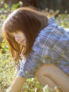 格子衬衫氧气美女清新阳光迷人