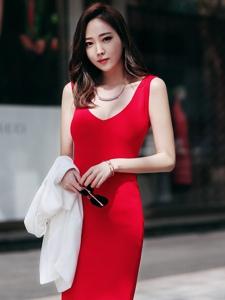 白皙粉嫩的韩系嫩模气质风韵很迷人