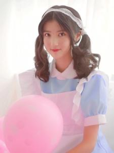 可爱双马尾萌妹子气球甜蜜诱人