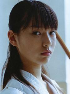 日本女星户田惠梨香水手服清纯魅惑写真