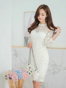 洁白私房里的蕾丝裙模特仙气十足如此美丽可人