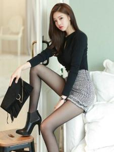 韩系性感美女黑丝美腿潮流时尚高挑气质写真