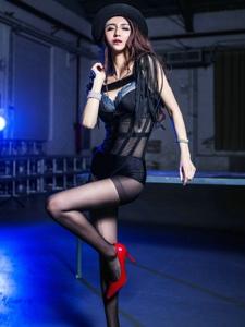性感混血女神霍霍大长腿黑丝靓丽写真