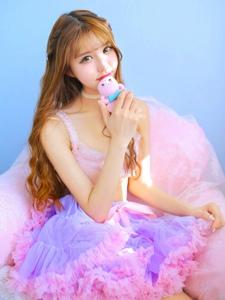 粉紫梦幻姑娘私房甜美可人写真