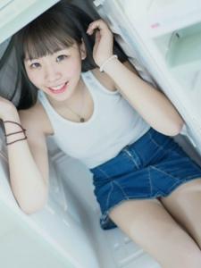 日系可爱少女夏日清凉冰爽可人写真