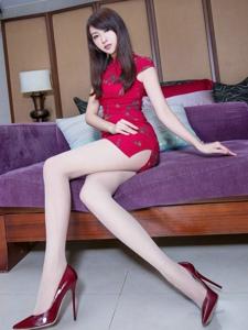 气质旗袍腿模Vicni丝袜高挑美腿性感魅惑